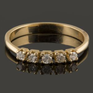 cinquillo con diamantes