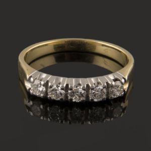 anillo cinquillo con diamantes