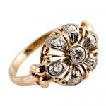 Anillo de oro con diamantes en Joyería Benssig